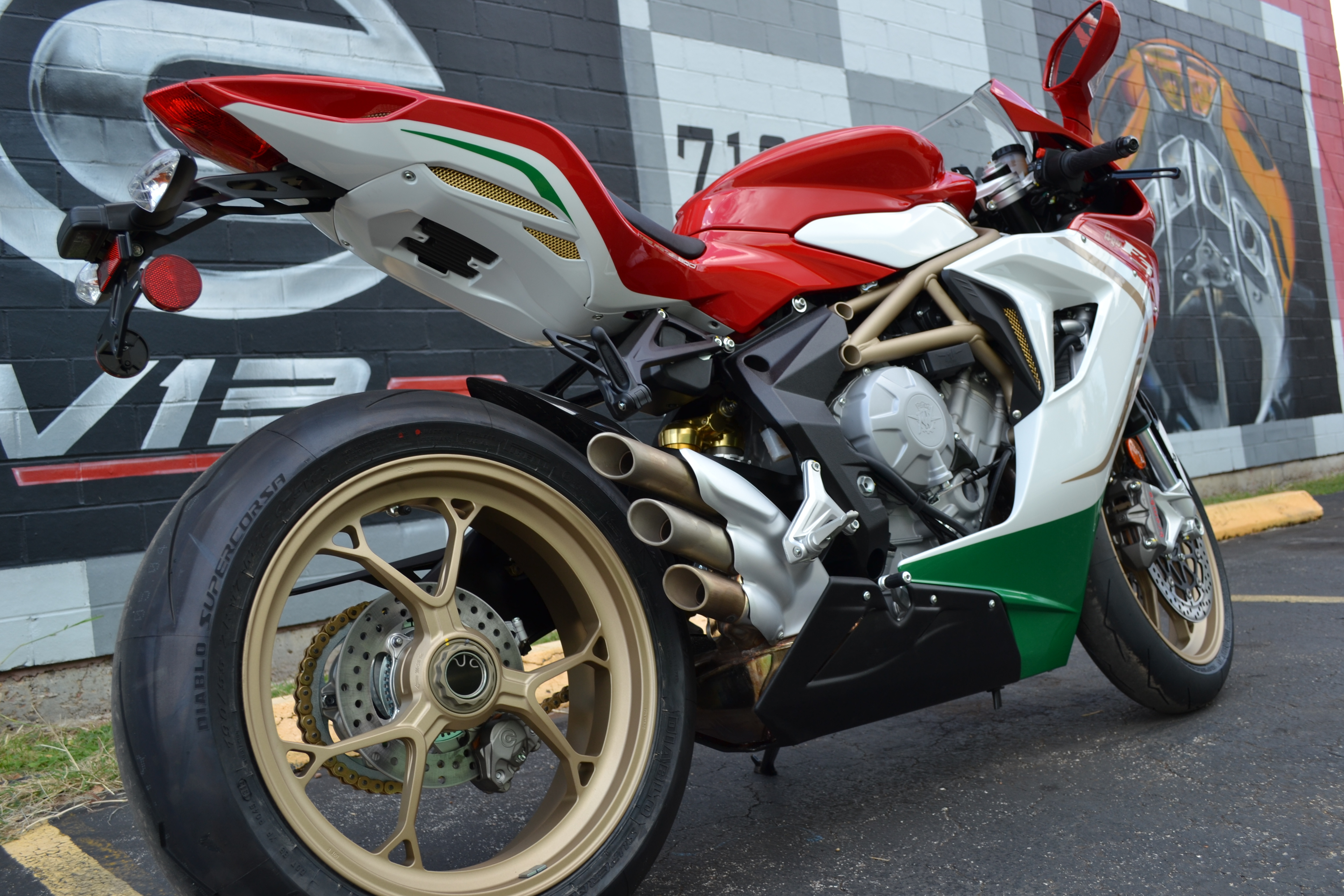 2015 mv agusta f3 800 ago 21 sales price buy aircrafts. Black Bedroom Furniture Sets. Home Design Ideas