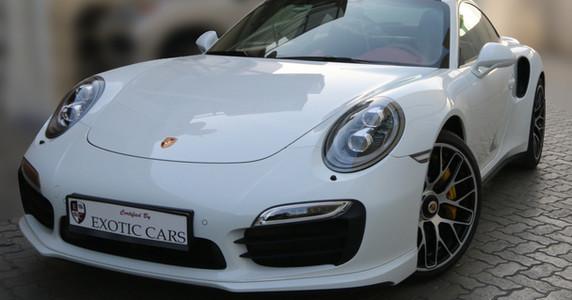 porsche-911-turbo-s-2014-whitered-9000-km-warranty-till-oct-2015